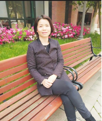 乐湾国际实验学校初中英语组谢宇