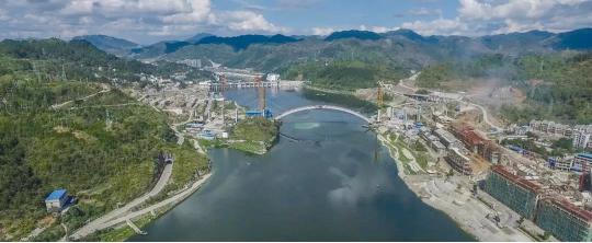 大桥合龙。 沿河县委宣传部供图