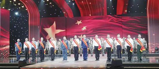 """第二届(2021年)贵州省""""最美退役军人""""发布仪式在贵阳举行"""