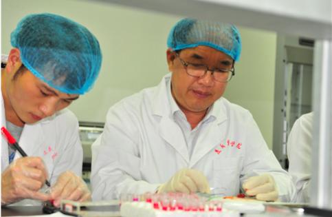 把实验室搬到田间地头!记投身农村产业革命的贵州高校科研工