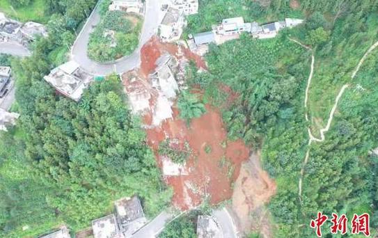 图为六盘水市水城区鸡场镇箐头村周家坡组蒋家包包发生滑坡地质灾害后。 六盘水市自然资源局供图