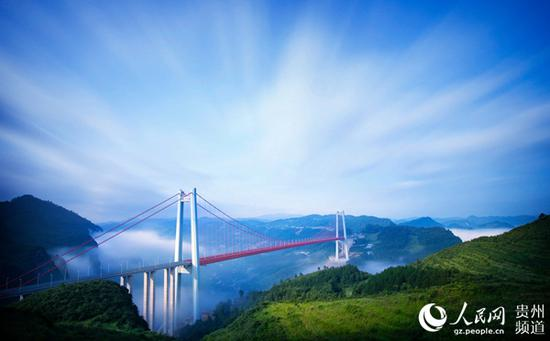 清水河大桥(吕志云 摄)
