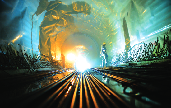 贵阳地铁1号线最艰难的一段是穿过南明河下,在24米深的地下挖掘隧道