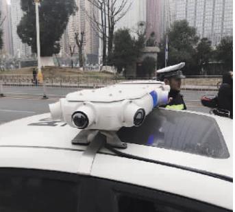 移动抓拍警车的摄像头