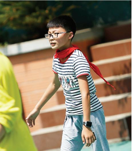 戴眼镜的孩子越来越多