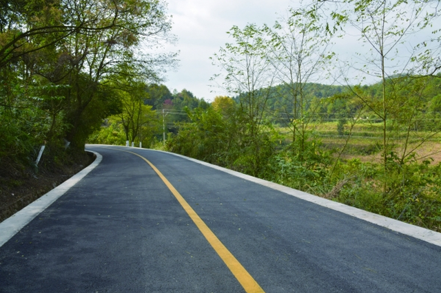 贵阳:多条县乡公路大中修工程竣工