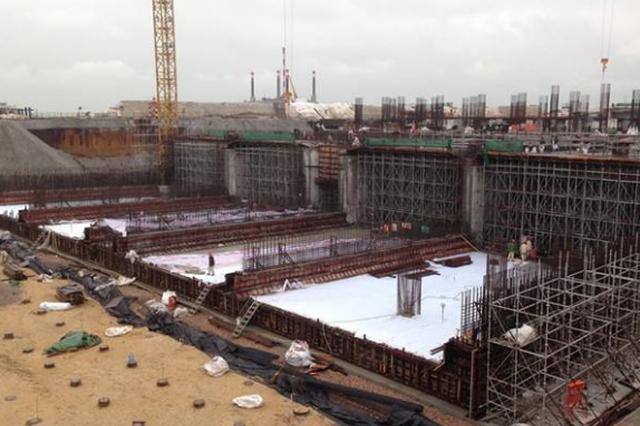 2号线:2期龙洞堡站工程主体结构第一段底板浇筑开工