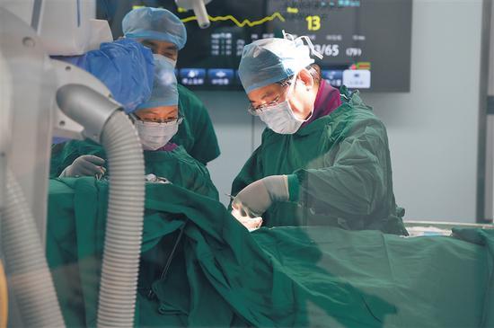 """许多""""超级""""药械陆续在博鳌超级医院优先使用。 博鳌超级医院供图"""