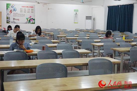 海南师范大学的自习室