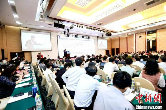 """""""海南自由贸易港与东南亚区域合作国际论坛""""13日在海口举行。 王志顺 摄"""