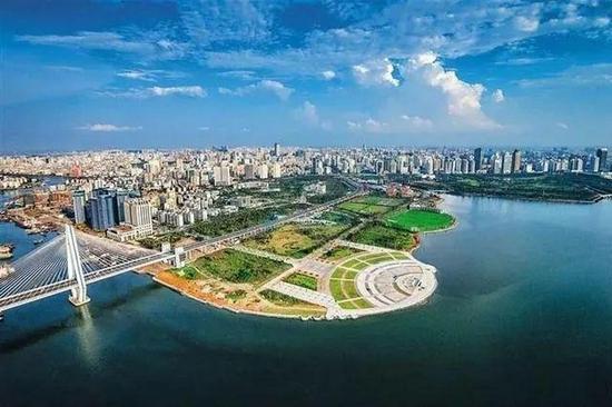 """海南""""十四五""""期间每年城镇将新增就业15万人"""