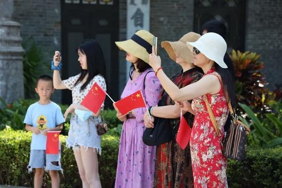 国庆第一天:海口旅游市场总体平稳 旅文活动精彩纷