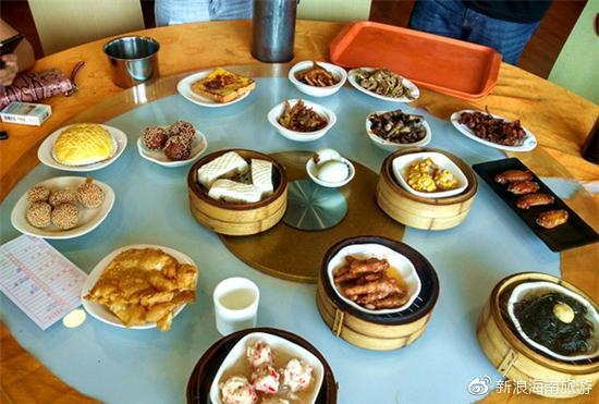 小编最喜欢的他们家的糯米蛋和炸猪软骨,好吃一生推!