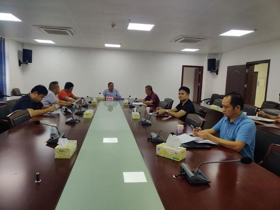 琼山区召开公共场所外语标识标牌建设工作联席专题会议