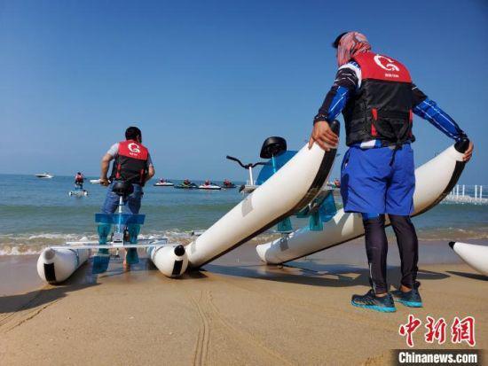 龙沐湾滨海乐园试营业现场。 记者王晓斌 摄