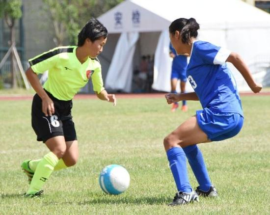 新华社点赞琼中女足:足球带着她们离梦想越来
