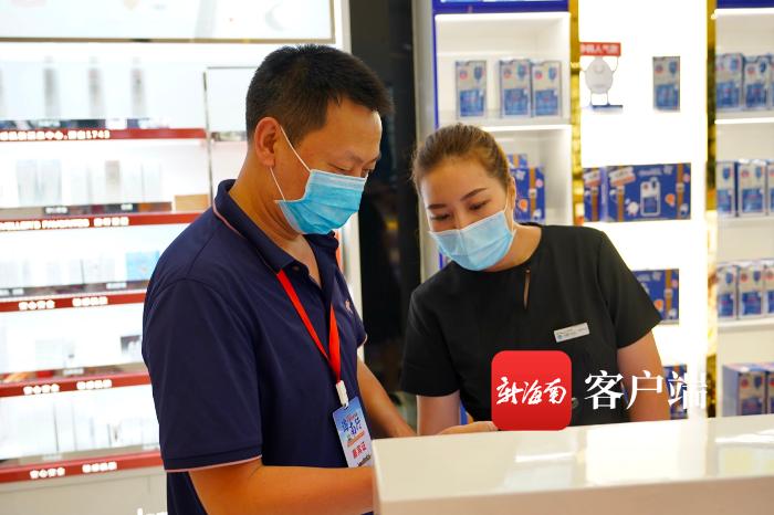 《【摩登2登陆】全国抗疫英雄走进三亚国际免税城 体验免税购物优惠便利》