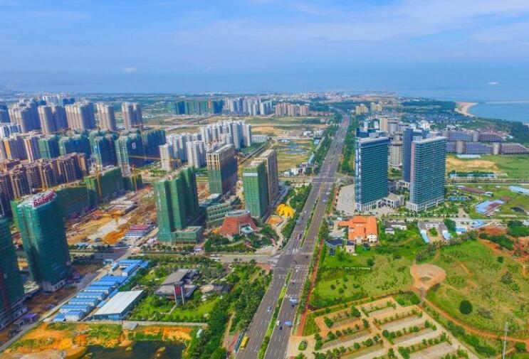 海口江东新区多个项目假期不停工 效率安全两手抓