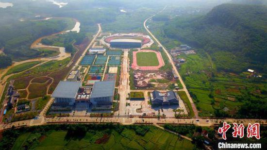 白沙文化体育中心是目前海南最大的一处体育设施,多个国家级运动训练基地落户。 吴峰 摄