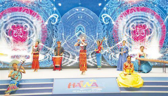 推介会上的琼韩民歌和器乐串烧表演。