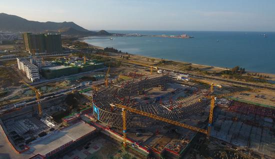 ↑这是2021年3月19日拍摄的位于海南三亚崖州湾科技城的深海科技创新公共平台项目(无人机照片)。新华社记者 杨冠宇 摄