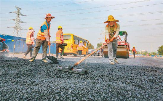 洋浦疏港大道二期:施工进入新阶段