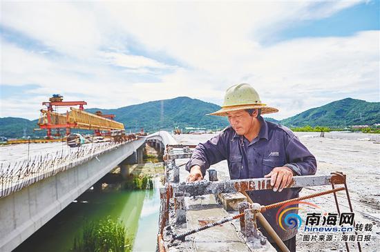 三亚亚龙湾第二通道(一期)工程完成约70%