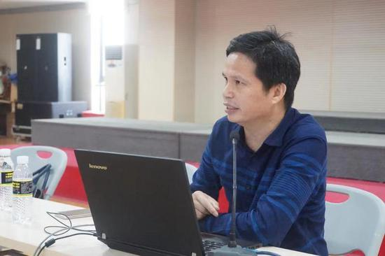 海南省旅游和文化广电体育厅社会文化处调研员何振军
