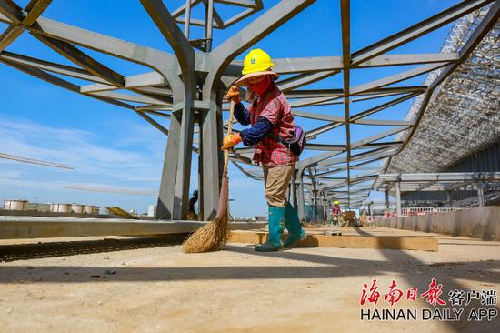 組圖丨美蘭機場二期項目航站樓精裝修已完成15%