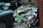 海口部分地下停车场存脏乱差 停车位堆着大量垃圾