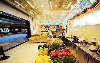 三亚航空城启用 品牌商家入驻机场