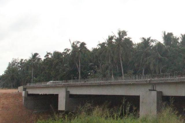 文琼高速全面进入桥面系施工阶段 预计19年11月通车
