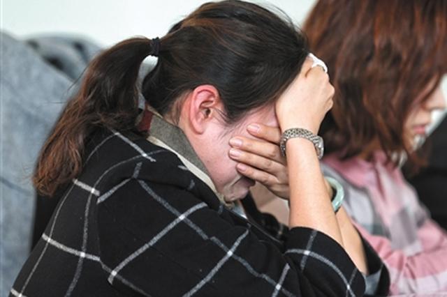 12岁女童从天台坠亡 亲属以无防护措施诉开发商