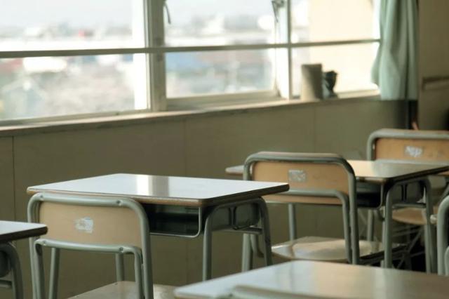 家长成老赖孩子不能上学?这所中学招生政策火了
