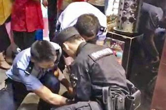 男子劫持的哥被警方开枪制服 教官:教科书式处置