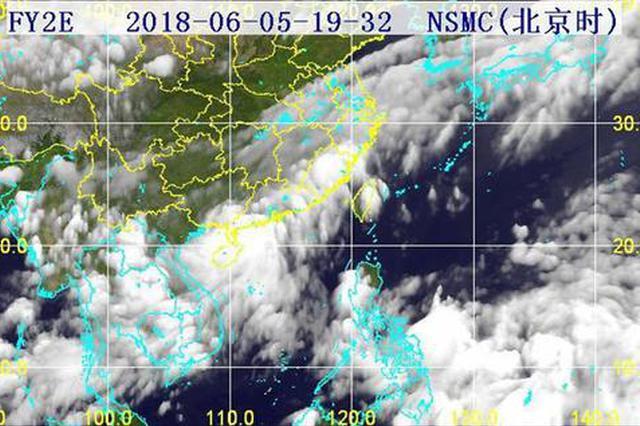 第4号台风距海南文昌仅35公里 今夜登陆或擦过文昌沿海