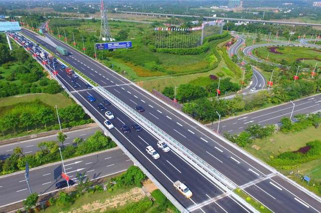 G98环岛高速石梅湾至三亚段6日起封闭应急车道