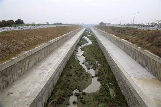 文昌港尾沟整治工程预计8月底完工 引入生态塘治理