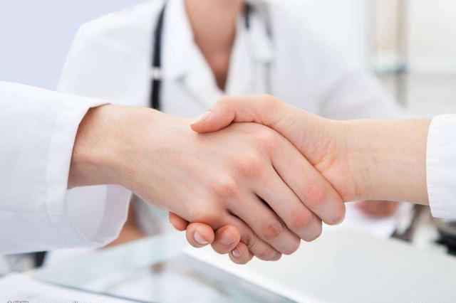 沈晓明:加快推进基层医疗卫生机构标准化建设