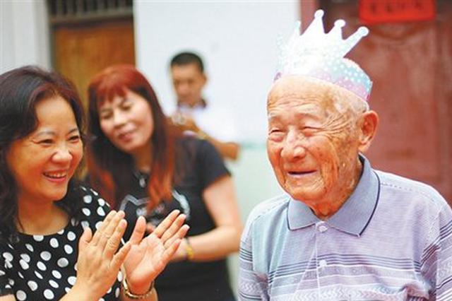 海南最后的琼籍南侨机工张修隆100岁了