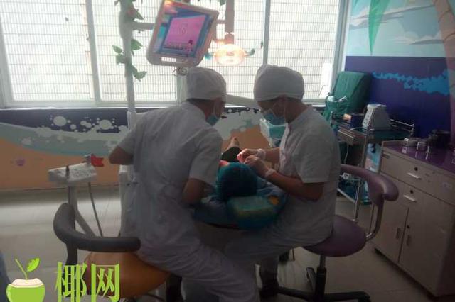 首个中国医师节 他们在忙碌的工作中度过