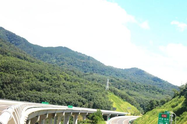海南琼乐高速28日通车 沿途的风景美翻了!