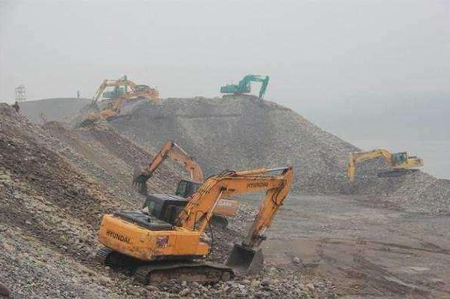 保持高压打击 海南实施非法采砂综合整治专项行动