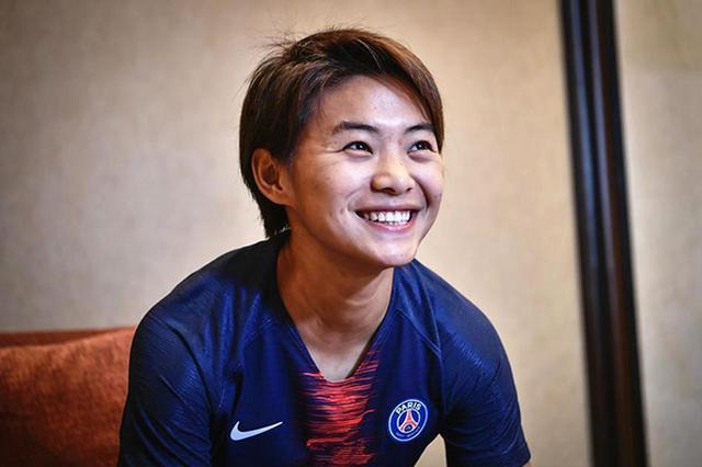 当选亚洲足球小姐!王霜:我的幸福来得太突然