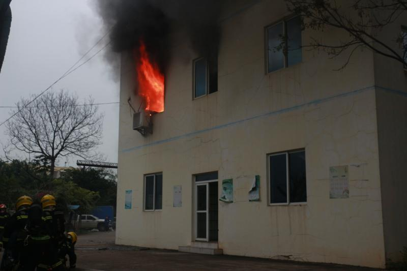 办公室突发火情 海口秀英消防成功扑灭