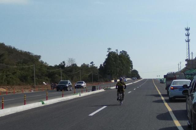 三亚南山景区唯一进出通道拓宽工程今功能性通车