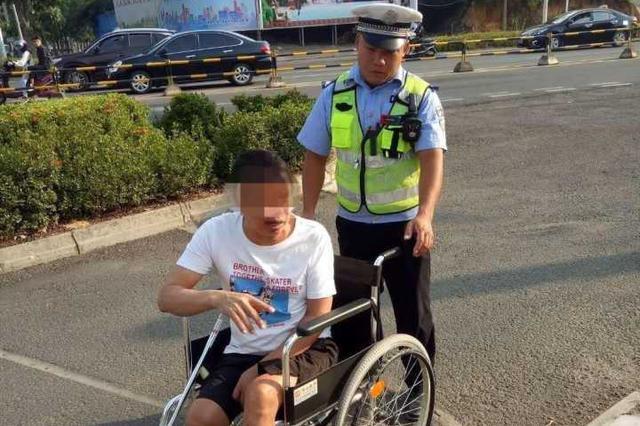 儋州交警护送残疾人、助推抛锚公交车行动获好评