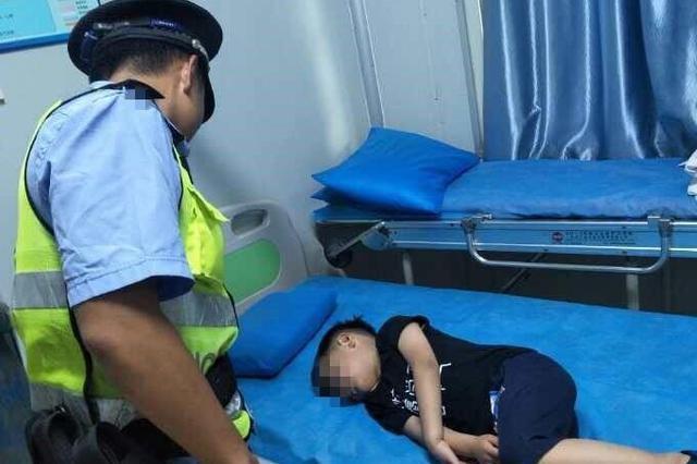 """6岁男童脑部受伤昏迷不醒 10分钟""""飙""""12公里紧急护送"""