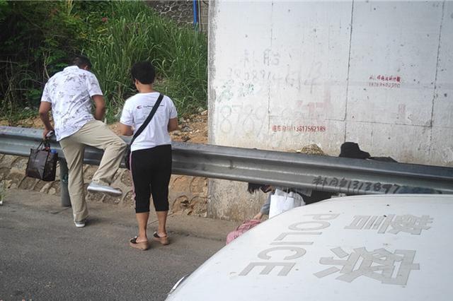 海南省交警集中整治行人、非机动车上高速行为