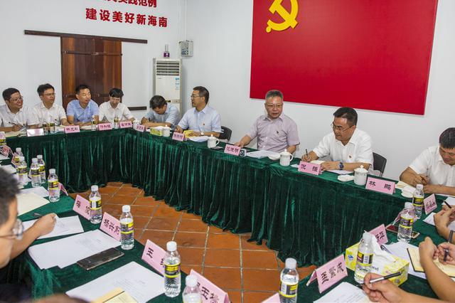 沈晓明:把每个党员的理想和追求融入共产党人的初心和使命